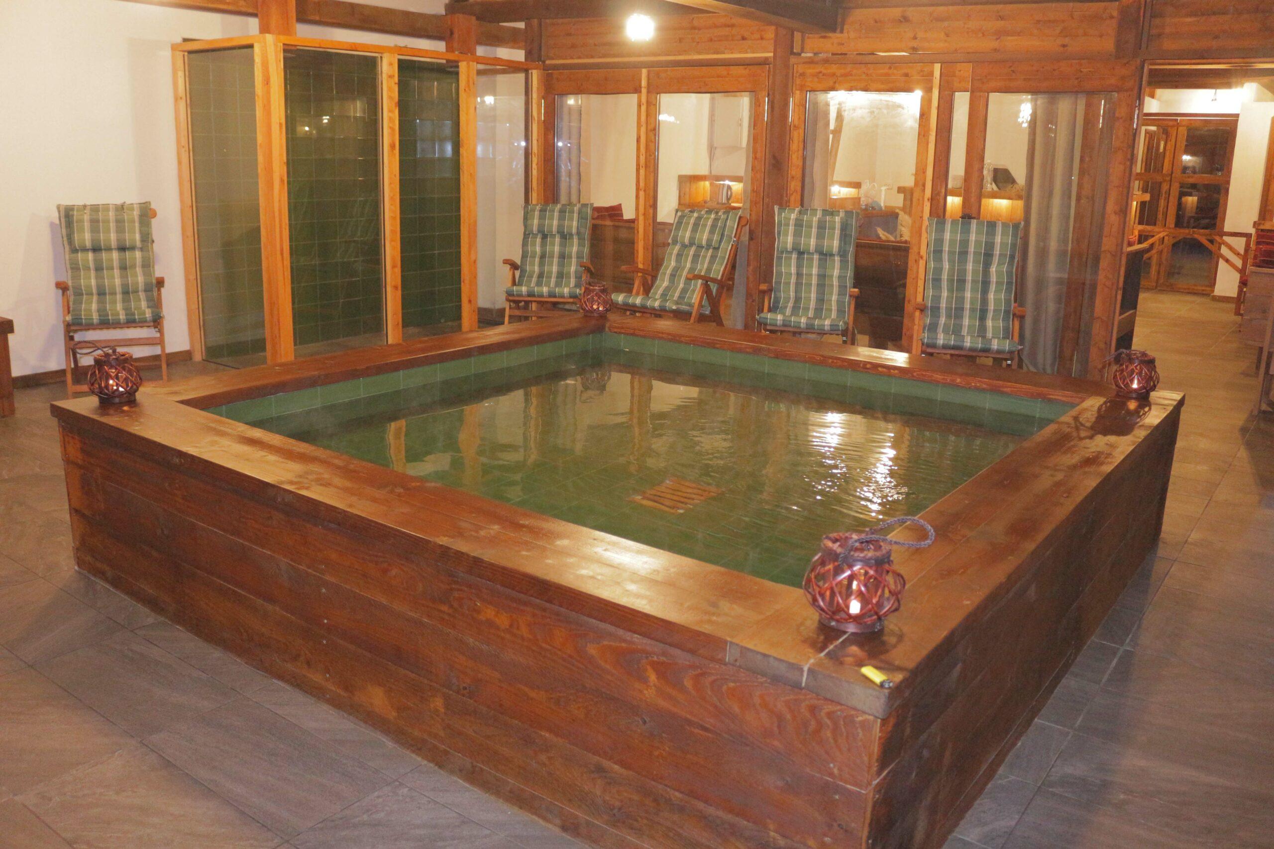 RELAX INSIDE HOT BATH